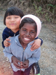 Zwei Kinder von meiner social work in Subathu (Shanti Niketan): Katreena & Ganga.